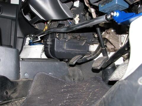 フロントストラットバー typeSTD SZ0640-FTS-00