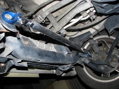フロントロアアームバー 2WD車用  SZ0640-LOF-00